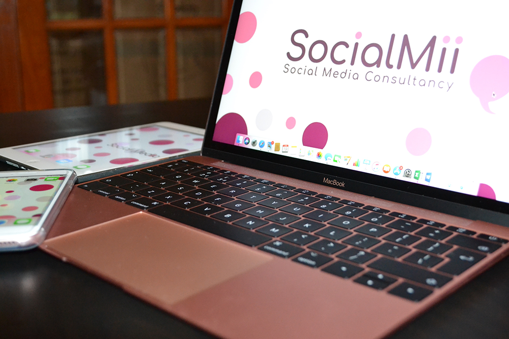 socialmii laptop tablet mobile